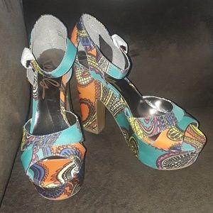 Rebels Retro Style Heels